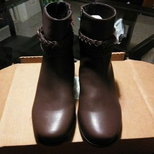 Comfortview Faux Leather Booties